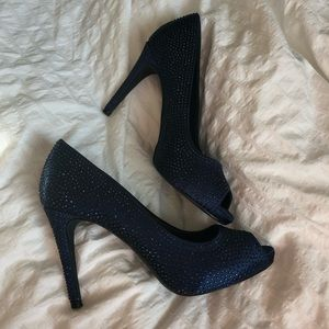 Le Chateau Pumps